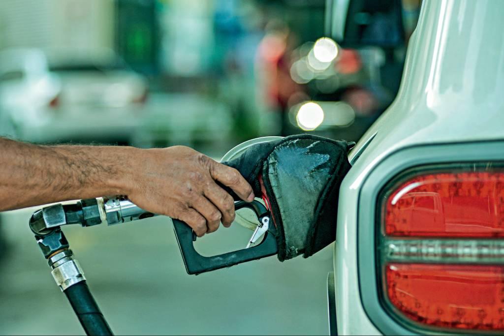 Combustível adulterado: saiba como detectar e como (tentar) fugir