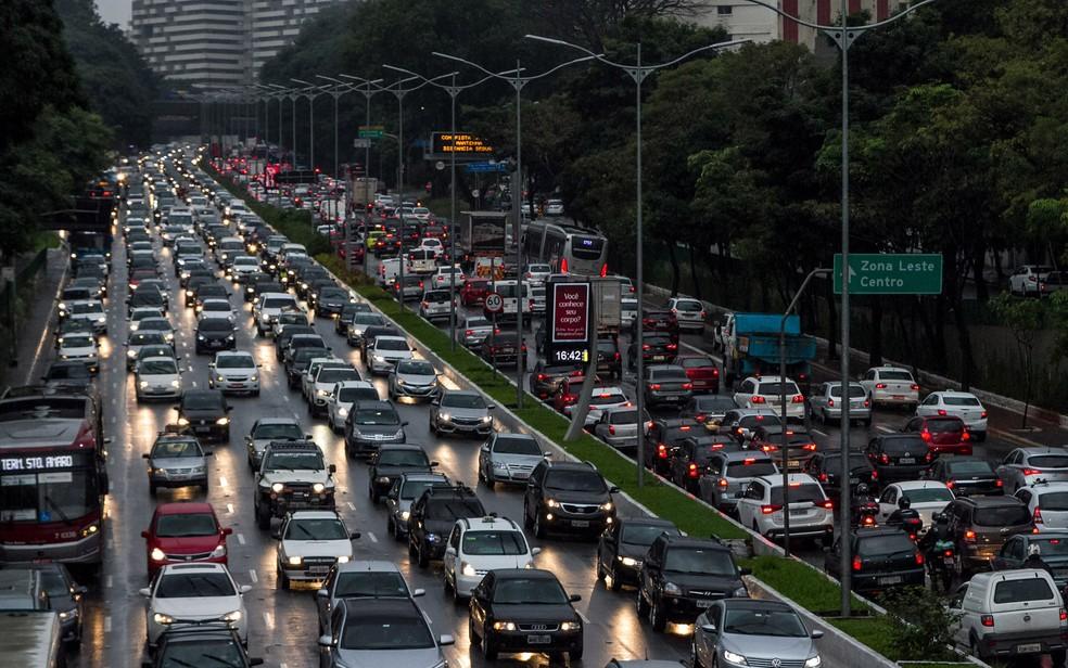 Como está o rodízio de carros em São Paulo na fase vermelha?